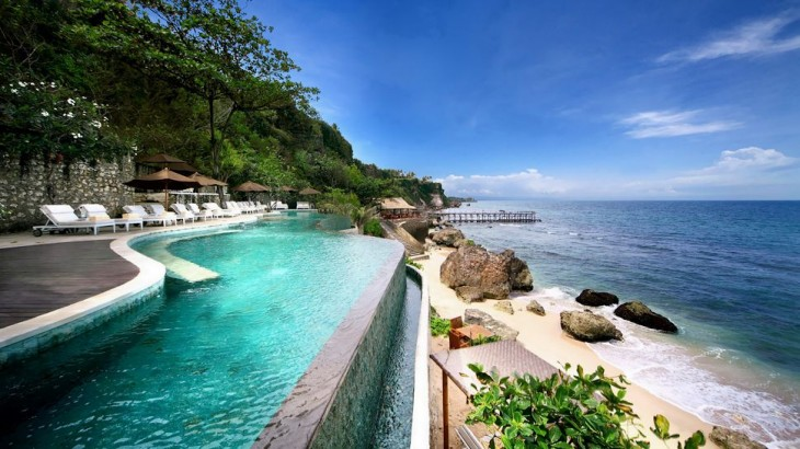 007271-01-outdoor-pool-beach