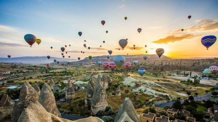 hot air balloon in Cappadocia, Turkey (Photo: pinterest.com)