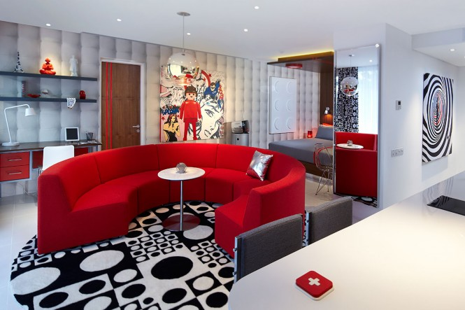 10 Red grand studio - circle of love, playmobil & bed
