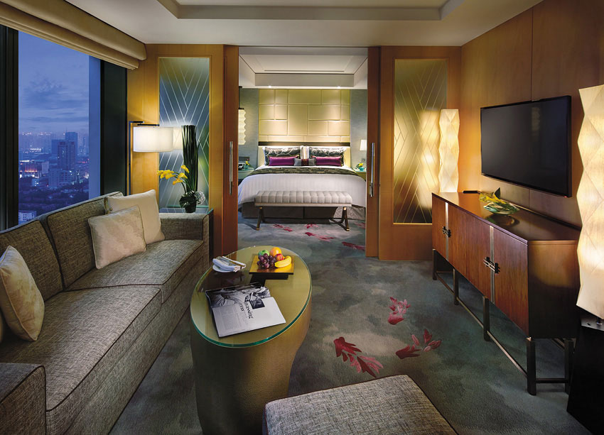 The carpets in the guestrooms were created to resemble Chinese watercolor paintings.