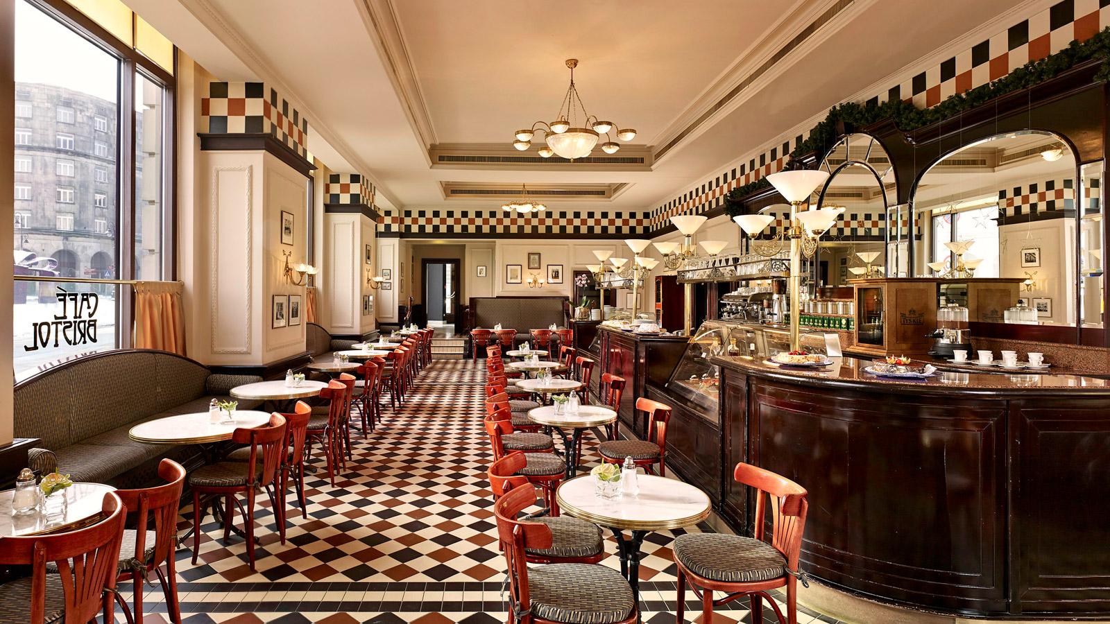 Café Bristol.