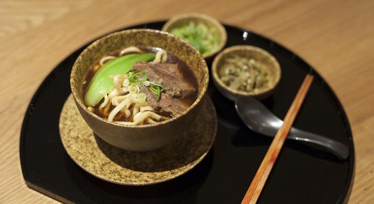 The signature Noodle Bar has already proven its success in other lounges by the airline, appealing to many of its passengers' taste.