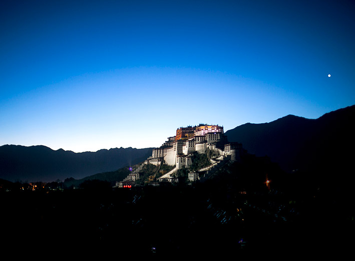 The high-altitude setting of the latest Shangri-La hotel offers views of Potala Palace.