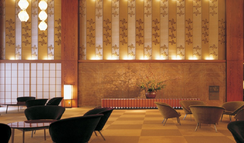 The unique design of the hotel's lobby blends '60s sensibilities with the traditional colors, textures, and crafts of Japan.