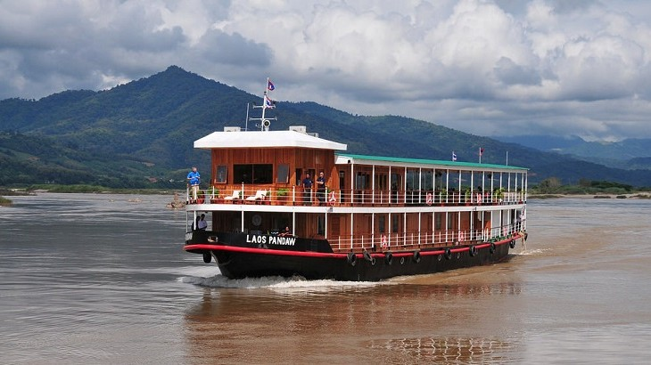 The RV Laos Pandaw comprises 10 rooms and accommodates 20 guests.