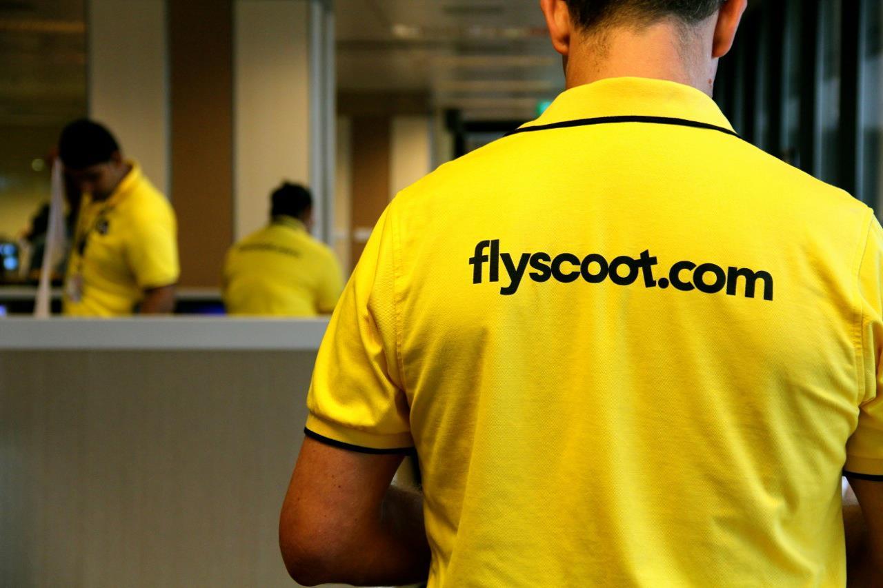 Scoot's signature uniform.