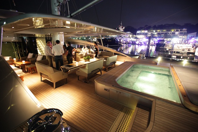 Mingle with yachting professionals and boat owners.