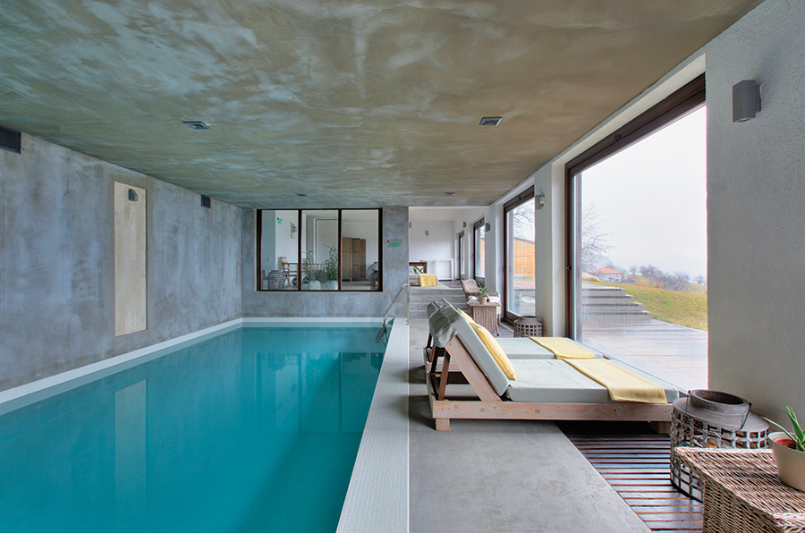 The indoor swimming pool at Villa Gella.