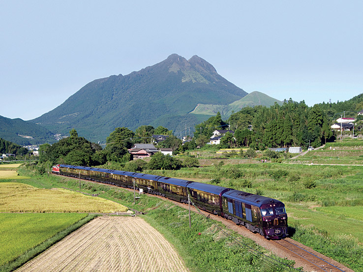 The Nanatsuboshi bills itself as Japan's first cruise train.