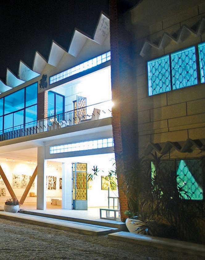 Loven Ramos's 1961 hotel-cum-gallery.