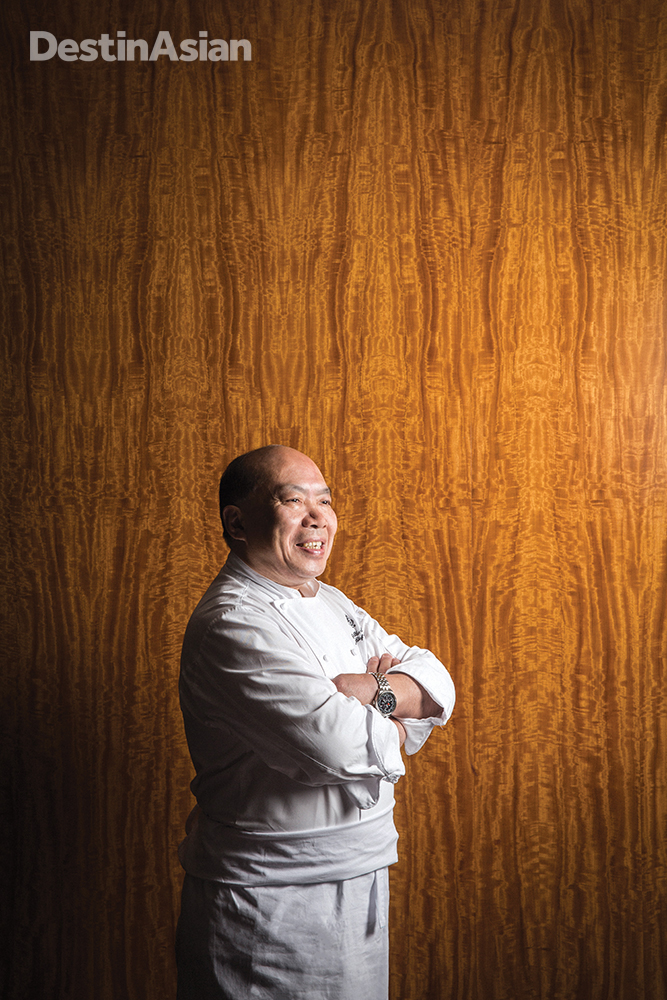 The exquisite Cantonese cooking of executive chef Chan Yan Tak has earned Lung King Heen its rave reviews and three Michelin stars.