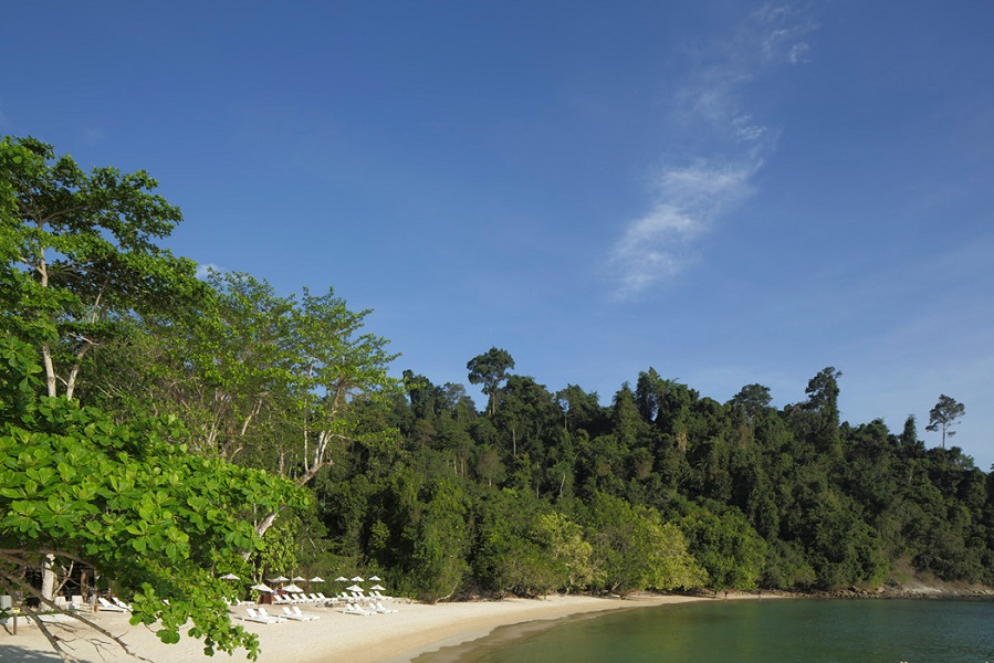 Gaya Island's private beach at Tavajun Bay, a five-minute boat ride from the resort jetty.