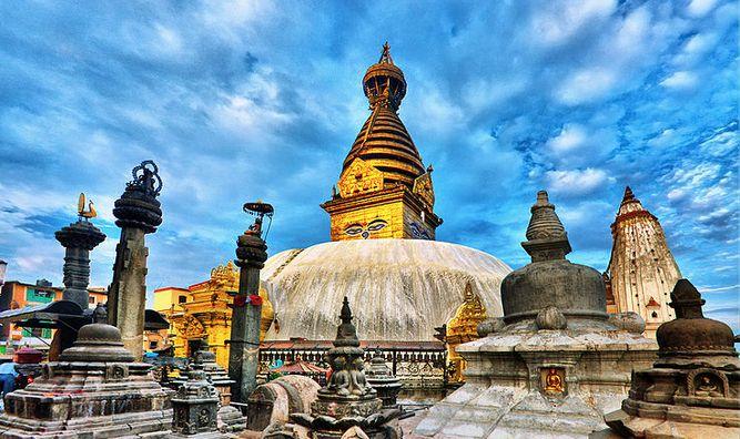 783px-Swayambhunath_in_Kathmandu_Valley,_Nepal