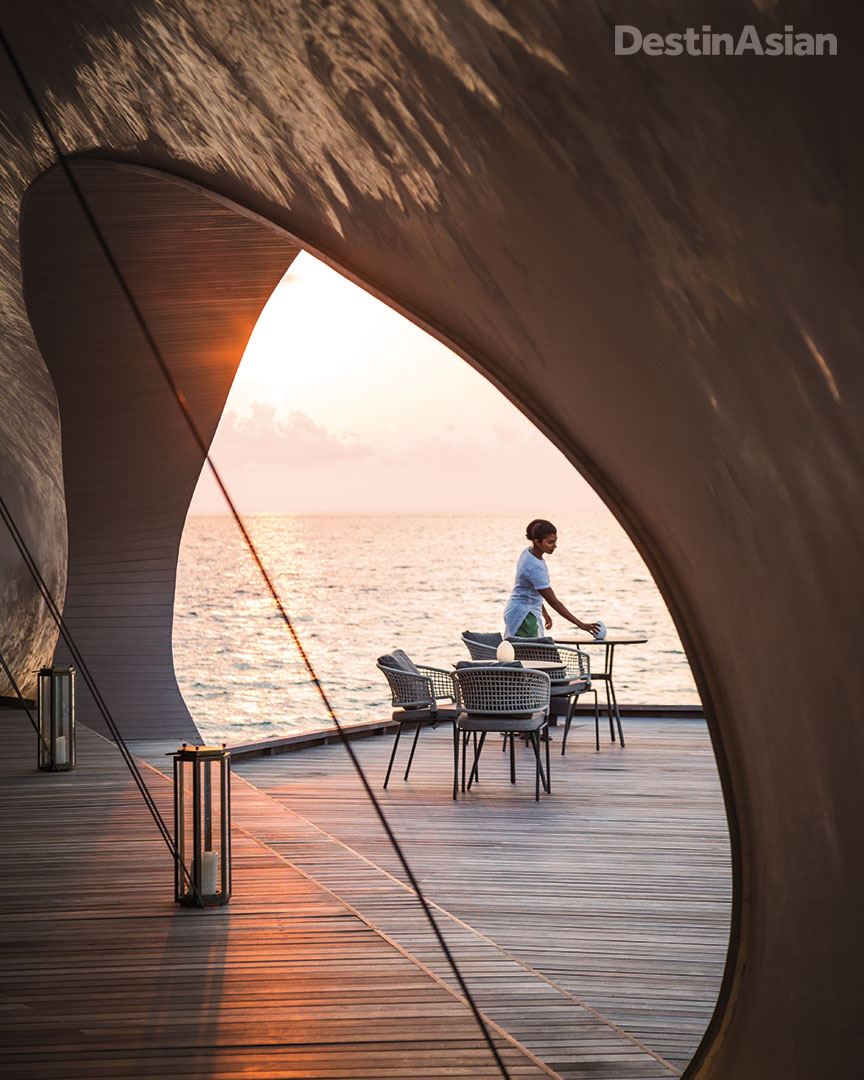 A terrace table at the St. Regis Maldives Vommuli's Whale Bar.