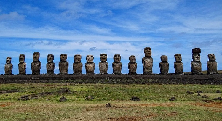 Ahu Tongariki at Easter Island. (Wikimedia Photo/Bjørn Christian Tørrissen )