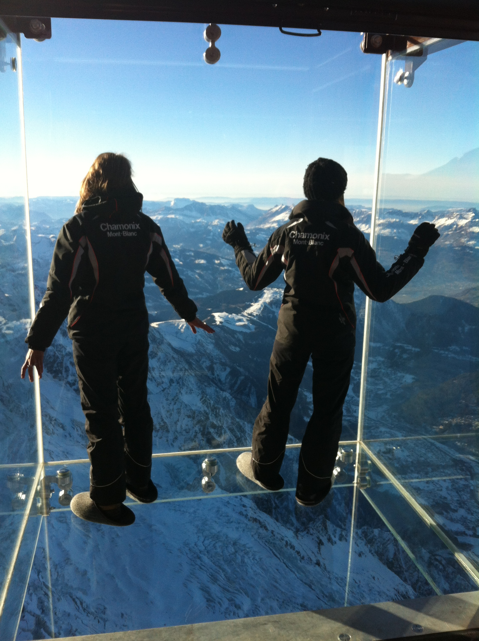 Visitors can see Mont-Blanc from the viewing box.