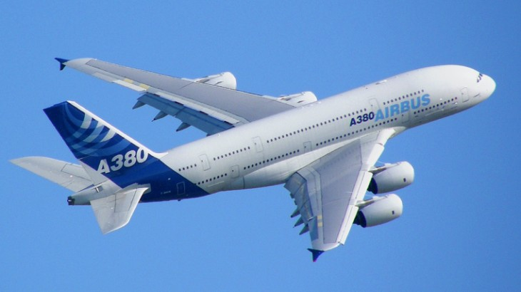 The Airbus A380 in its original livery. (Wikimedia Commons/Axel Péju)