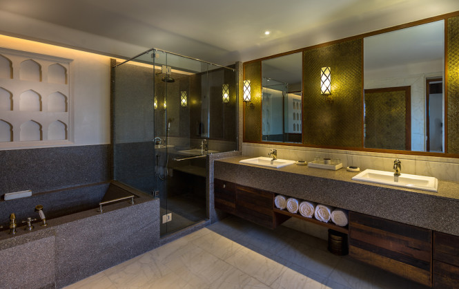 The bathroom inside the Grand Royal Heritage Suite.