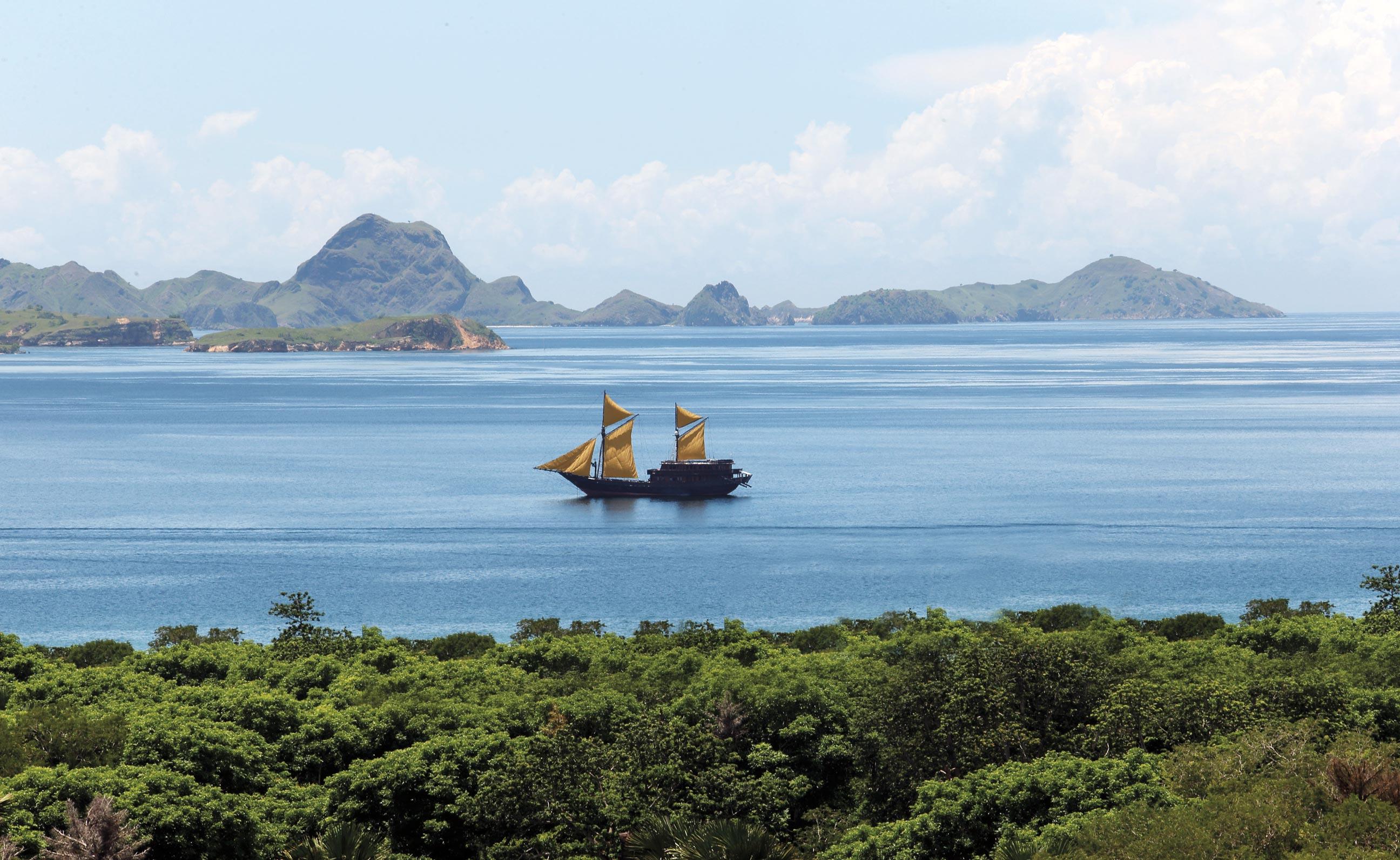 The Alila Purnama cruises through the Komodo Islands.