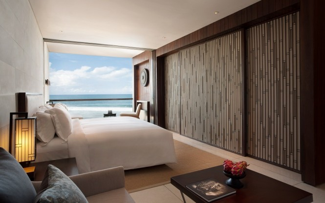 Deluxe Ocean Suites are a spacious 60 square meters with views of the Indian Ocean.