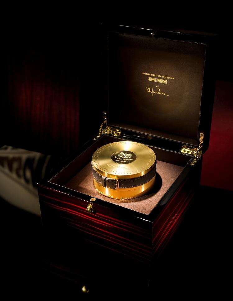 Almas Persicus caviar in its 23-carat gold tin.