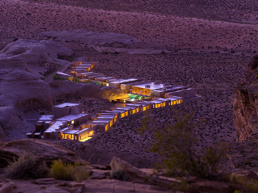 The Amangiri blends seamlessly with its surroundings.
