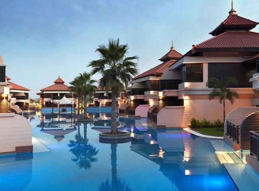 The Anantara boasts 10,000 square meters of lagoon pools.