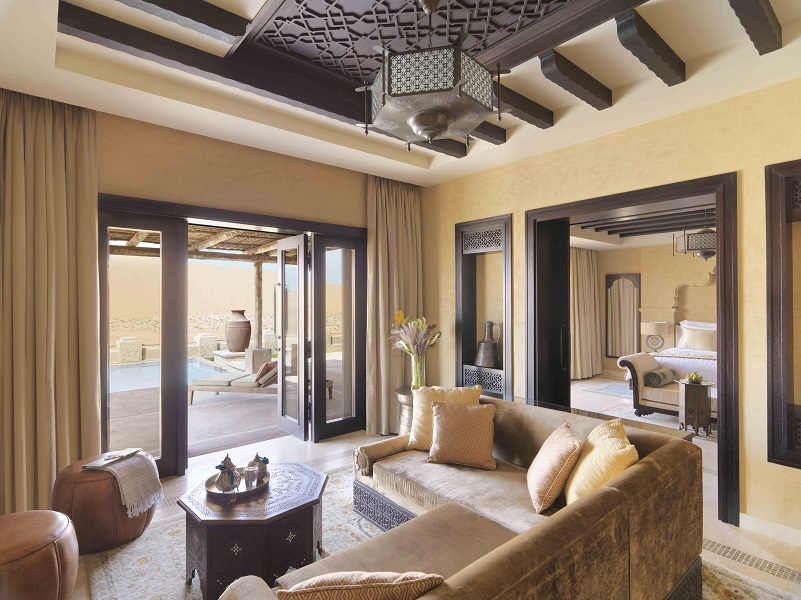 Lounges in each villa are decorated in Arabian style.
