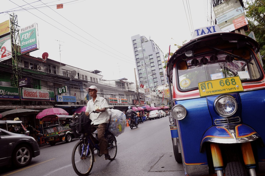 Ari's streets host a thriving street food culture and old money Thai residences.