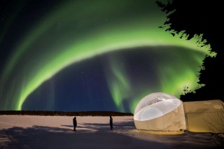 The Aurora Bubbles are heated tents with transparent domes above the beds.