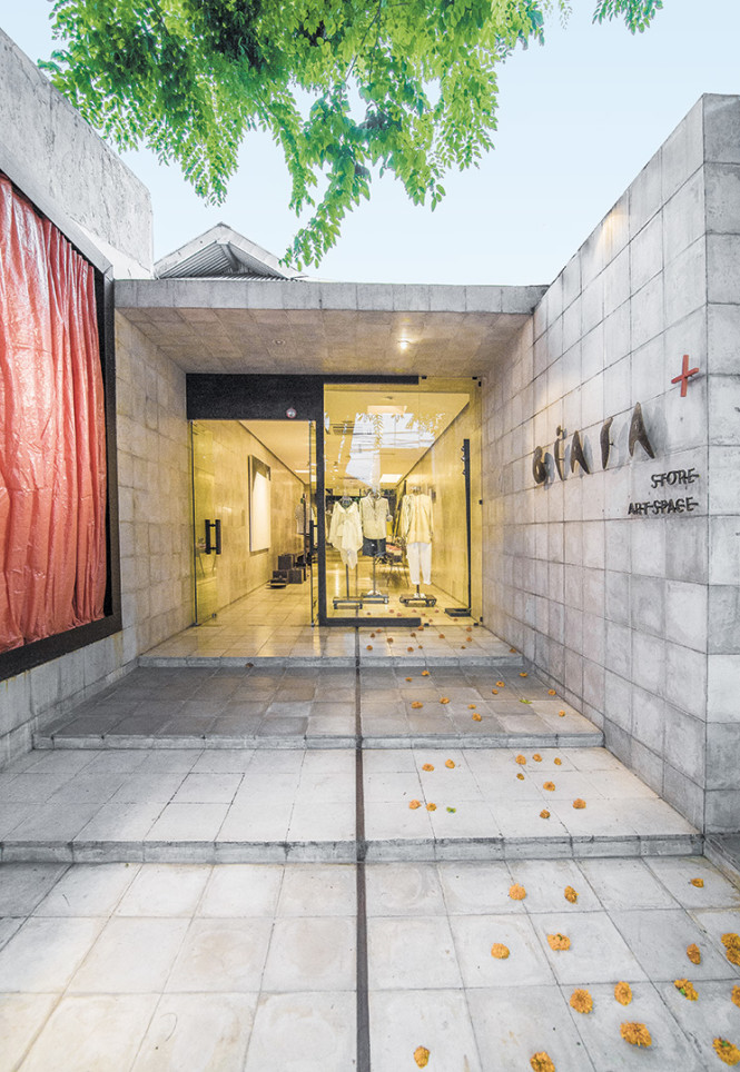The entrance to central Seminyak space Biasa+