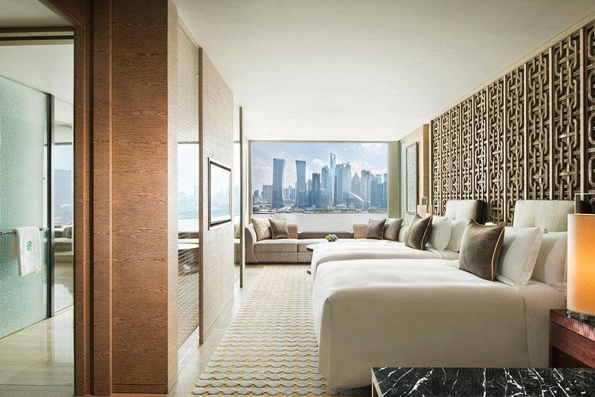 Located in the North Bund area, the hotel has spectacular views of the Huangpu River and the cityscape.