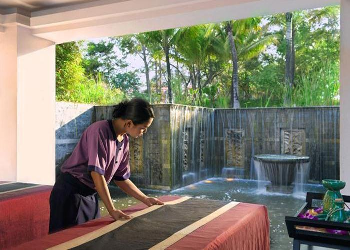 Garden spa pioneers Banyan Tree trains all of its therapists at its spa academy in Thailand to ensure the highest and most consistent quality.