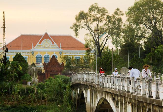 The newly restored Sala Khaet mansion.