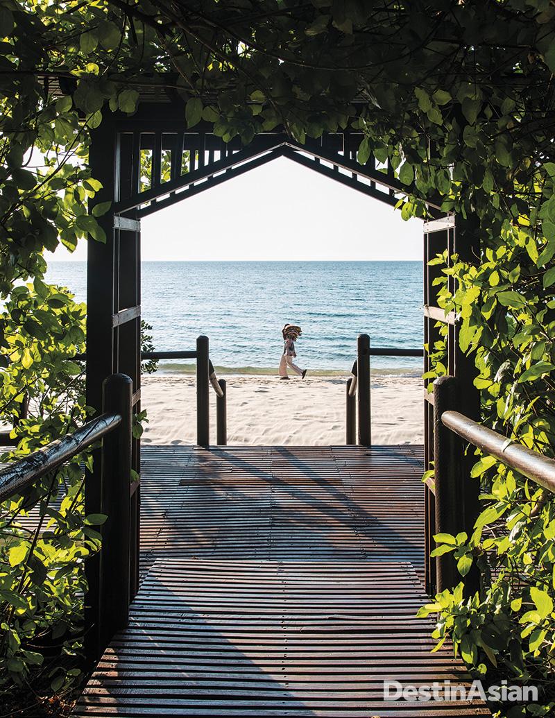 Beachside at the Anantara