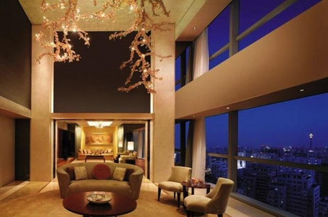 Located near the capital city's Financial Street, the Shangri-La Beijing is an urban oasis with a 3,000-square-meter garden at its center.