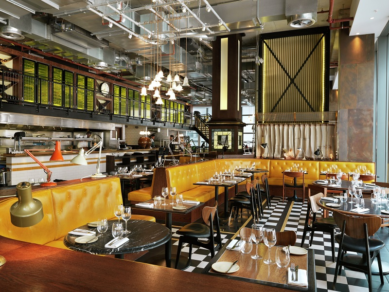 Bread Street Kitchen has become a London hot-spot for both its ambiance and food that seamlessly blend trend and comfort.