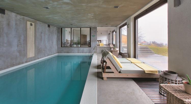 The indoor swimming pool at Villa Gella.