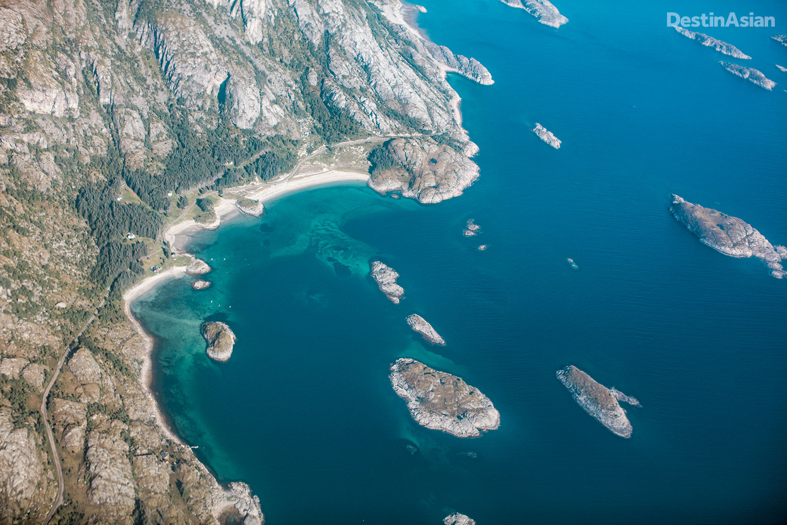 A bird's eye view of the south coast of Vestvågøya.