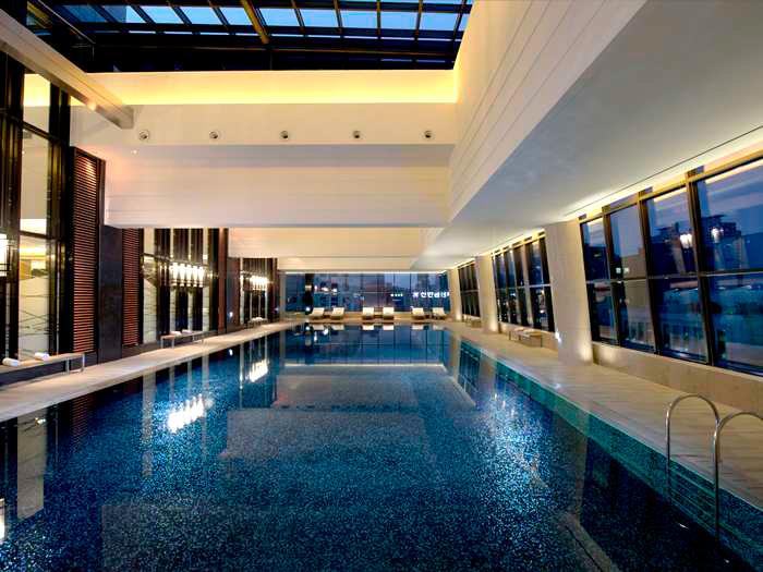 The pool at the Conrad Seoul.