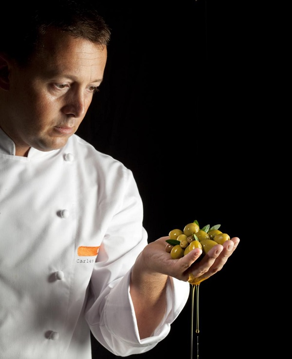 Known for experimenting with molecular gastronomy, chef Carles Tejedor prepares Spanish classics with modern infusions.