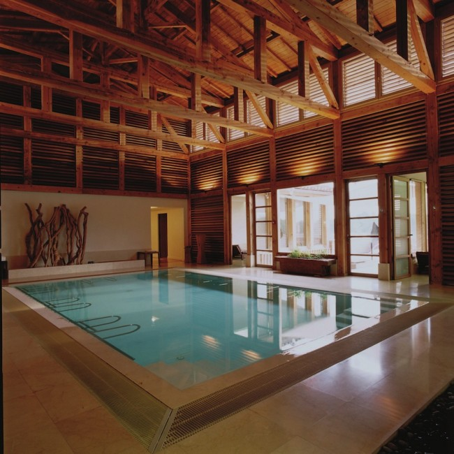 The indoor pool at Caudalie.