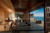 Koh Samui resorts: the concierge desk at the Conrad.
