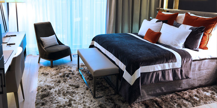 A Deluxe guest room.