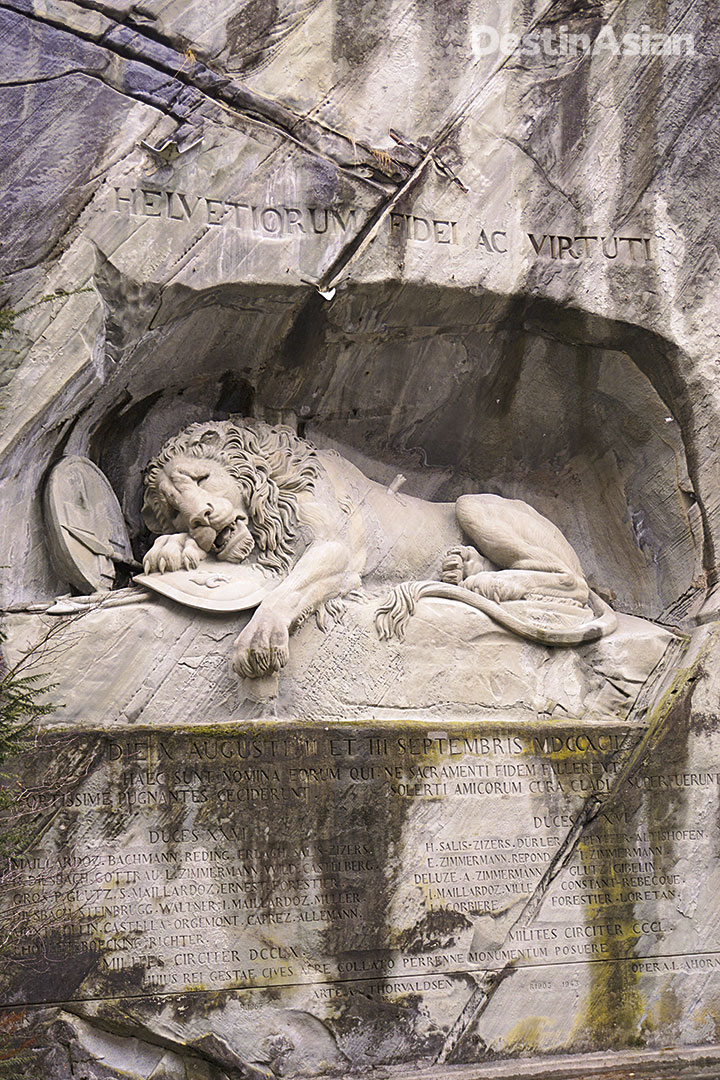 The iconic Lion Monument.