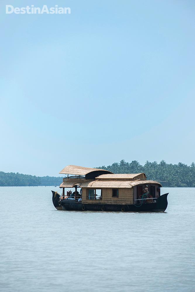 A kettuvallum houseboat.