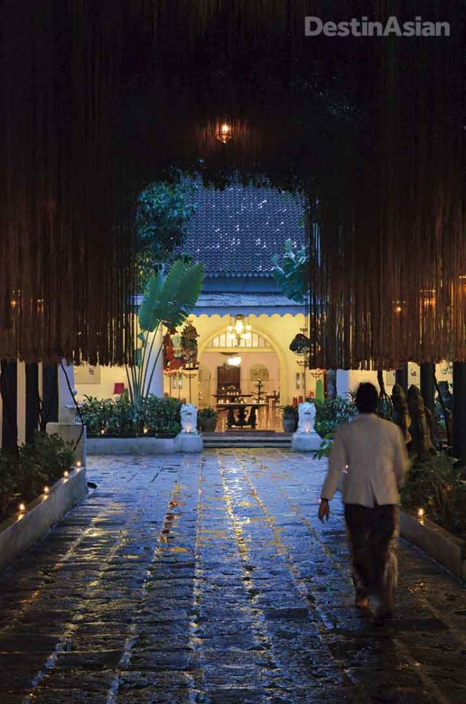 Dusk at Tugu Blitar, whose arbored driveway leads to a Dutch colonial building from the mid-19th century. All photos by James Louie.