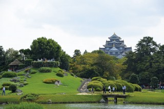 A stroll through Korakuen yields views of Okayama Castle, a former seat of feudal lords that was reconstructed after being firebombed in World War II.