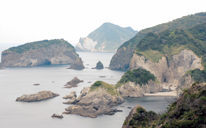 Rocky islets dot the Pacific near Irozaki, at the tip of the Izu Peninsula.