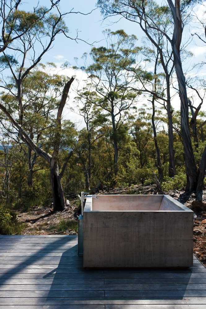 The outdoor bathtub at Rocky Hills Retreat.